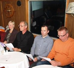 Taloudenhoitaja Leena Ala-Nissilä (vas.), uusi puheenjohtaja Ari Rantanen, johtokunnan jäsenet Jari Louhi ja Pasi Latvala.