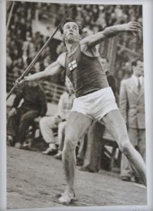 Tapio Rautavaaran kultaheitto 1948 Lontoossa.